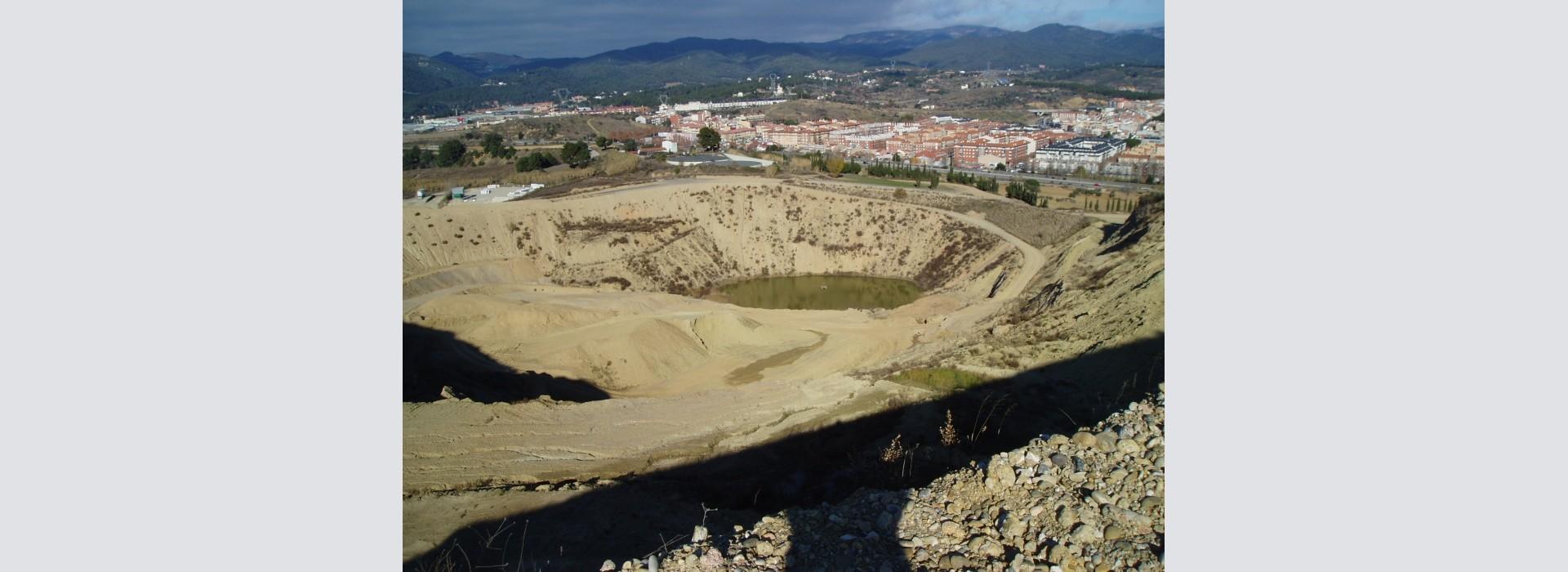 "Sortida del GMC a la pedrera ""La Constancia"", Terrassa, Vallès Occidental."